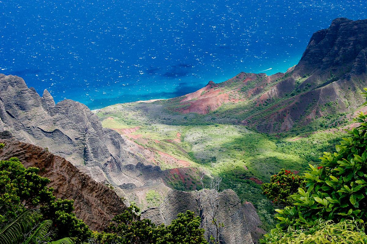 RCS-2007-08-20-Hawaii-Kauai-Kalalau-Valley_MG_7789.jpg